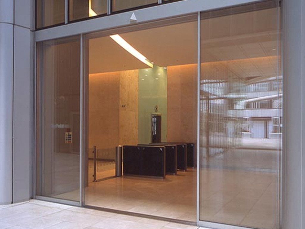 Oversized Linear Sliding Glass Doors Over 3 meters high by Open Entrances Structural Glass ...